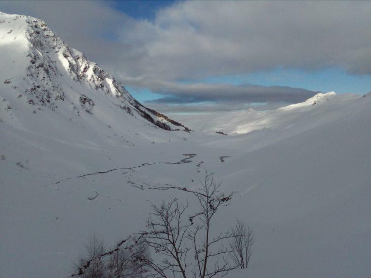 Lac d'isaby en hiver dans les Pyrénées